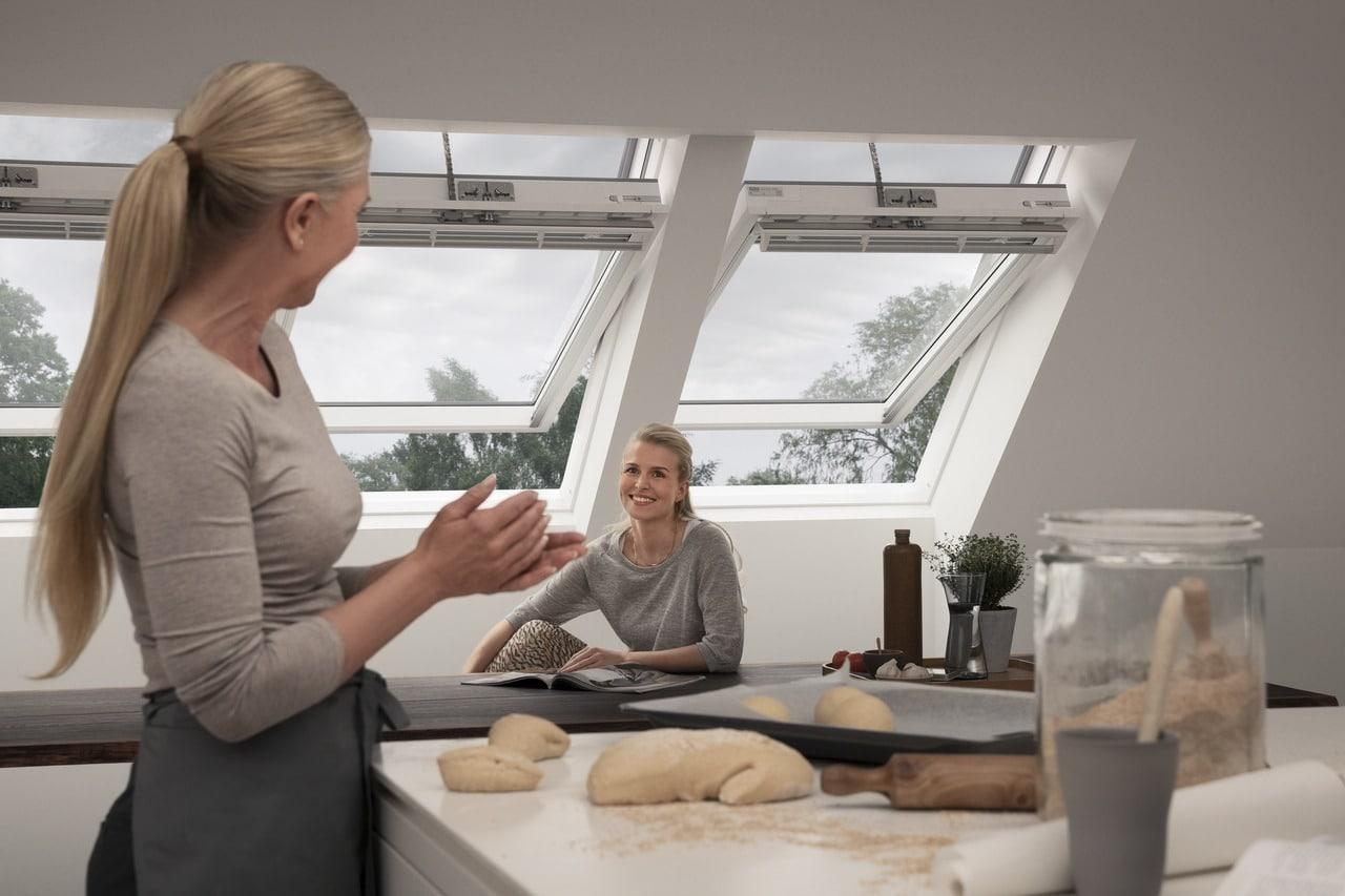дизайн кухні студії в приватному будинку