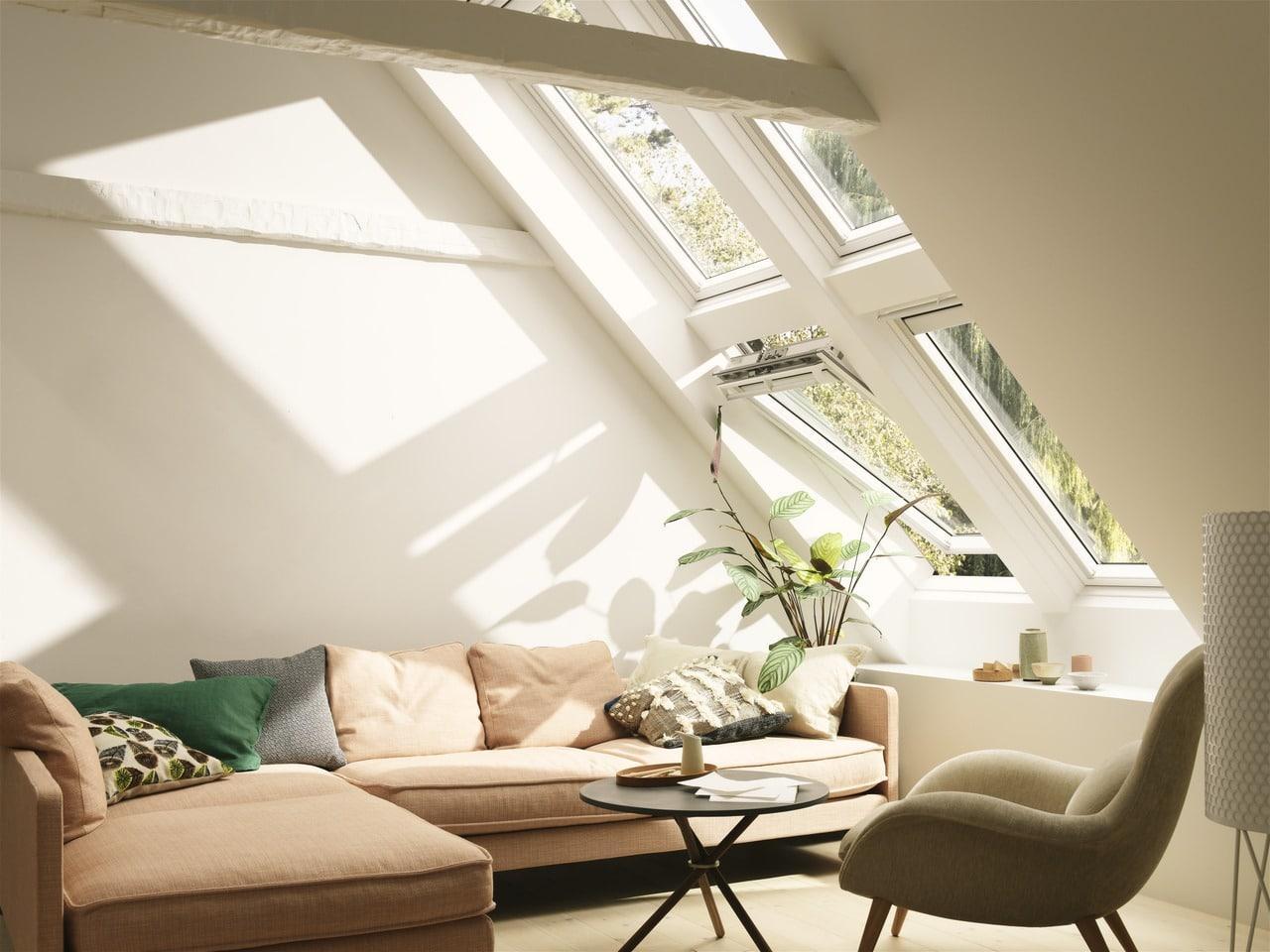 Переваги мансардних вікон