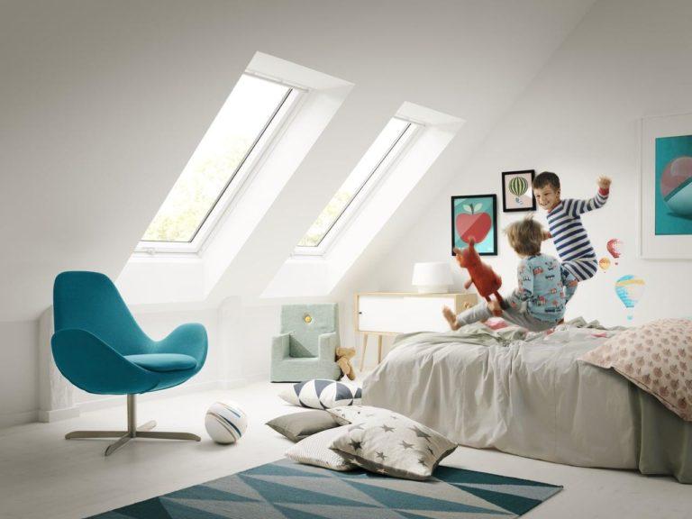 Как превратить мансарду площадью 20м² в уютную детскую комнату с двумя кроватями?