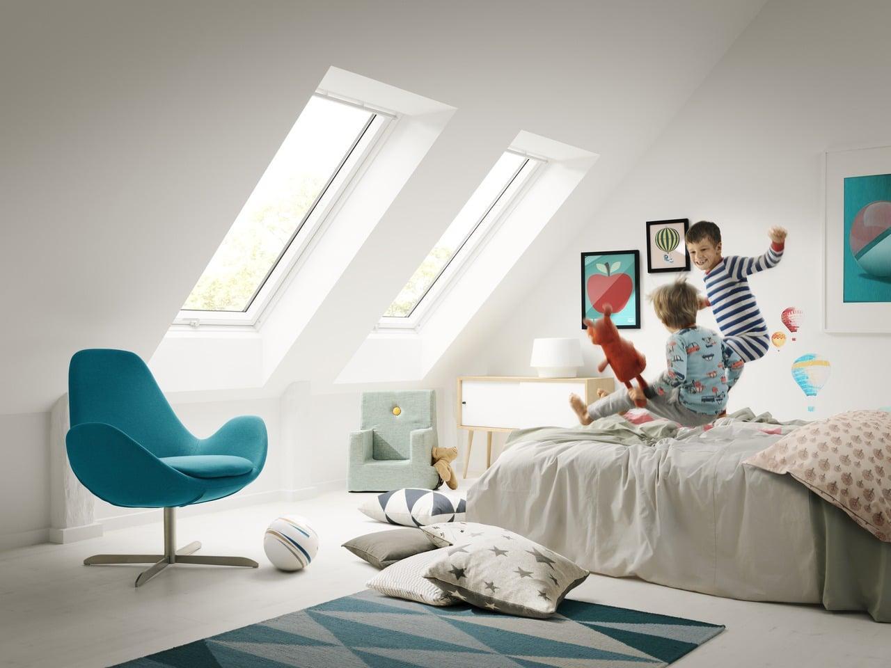 Дитяча кімната в мансарді Как превратить мансарду площадью 20м² в уютную детскую комнату с двумя кроватями?