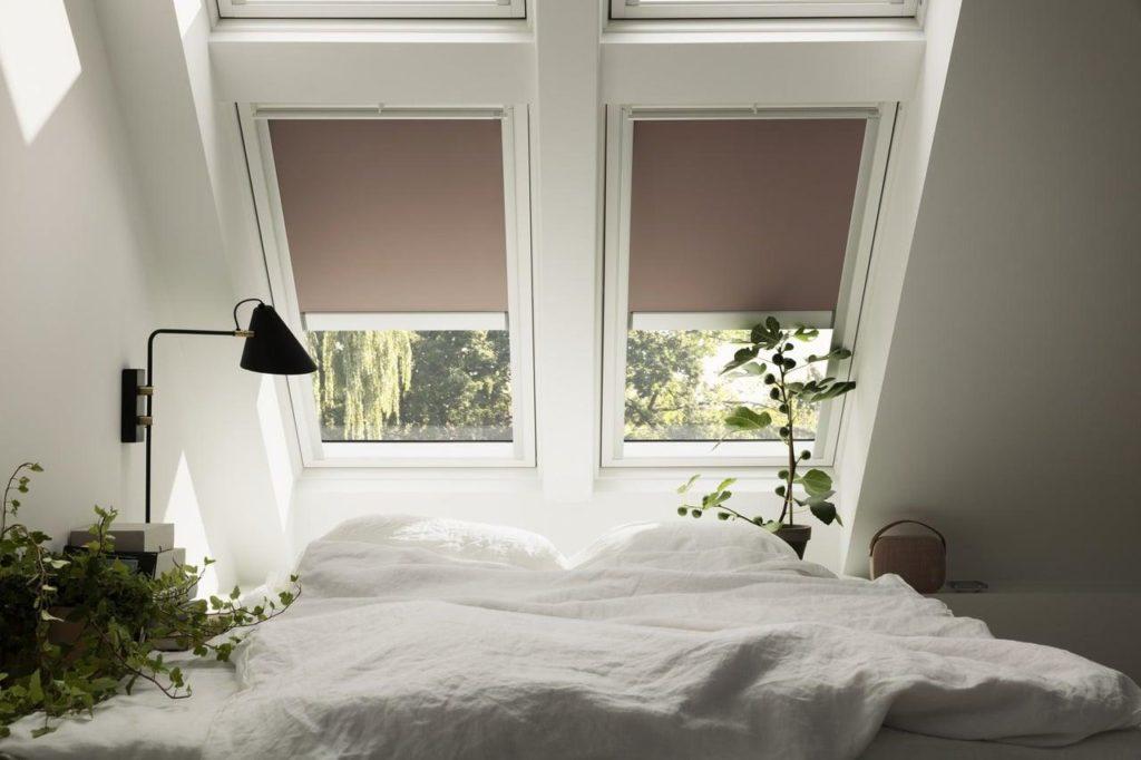 Дизайн интерьера спальни на мансарде 100+ фото