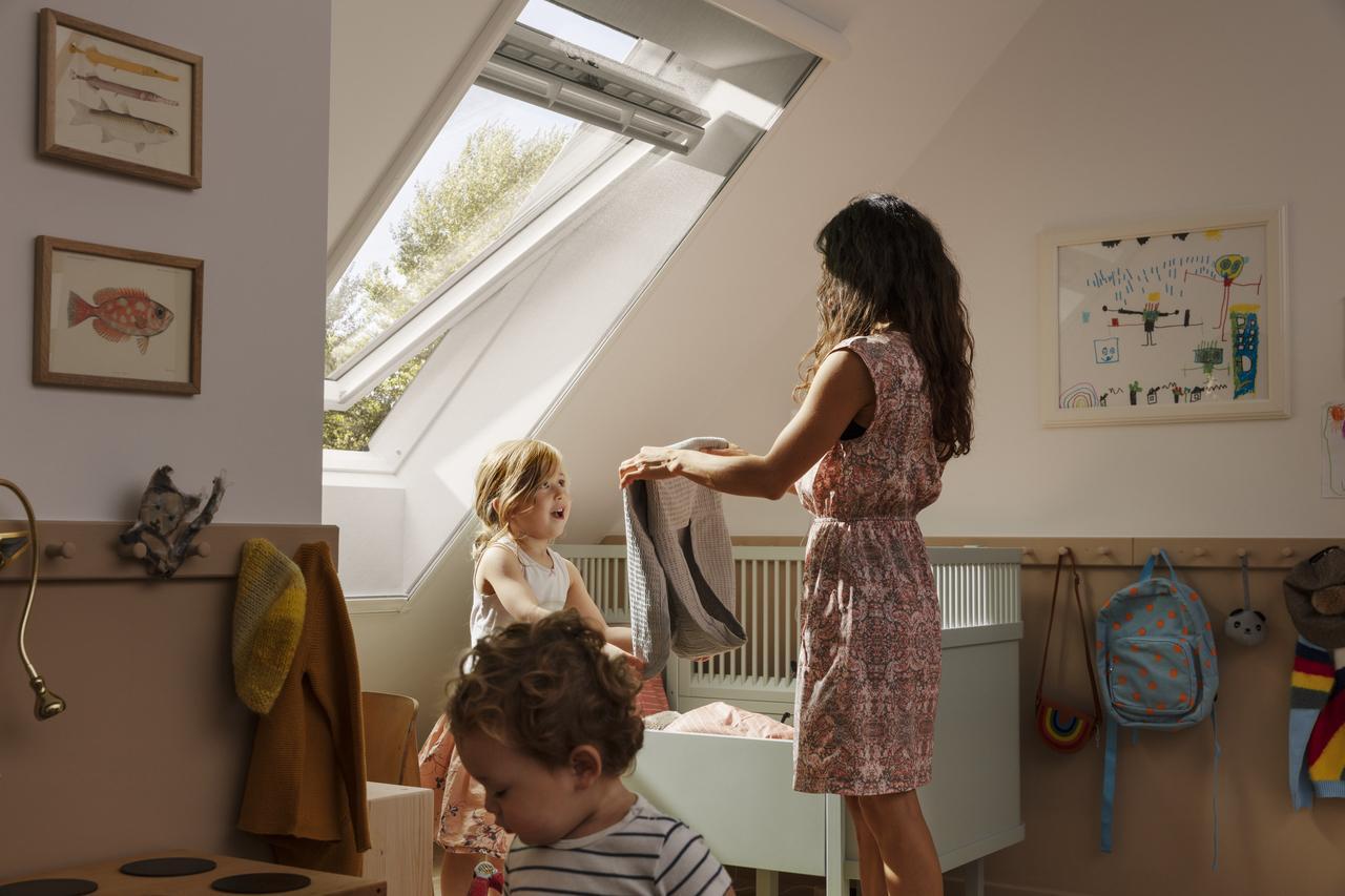 Дизайн интерьера детской комнаты на мансардном этаже: фото #0076 Детская комната на мансарде для девочки: дизайн и фото интерьера