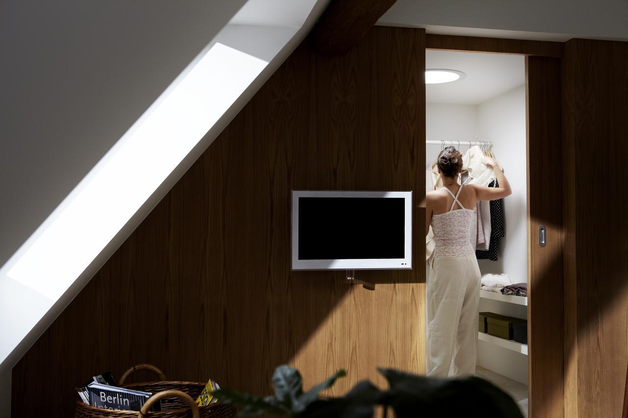 Дизайн интерьера гардеробной комнаты на мансардном этаже: фото #0006 Гардеробная комната на мансардном этаже