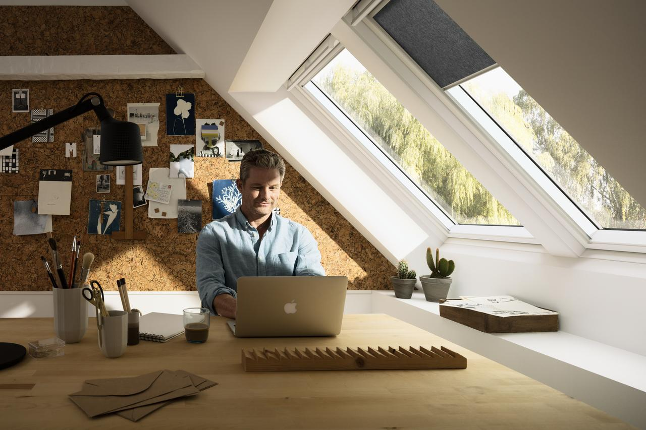 Дизайн інтер'єру кабінету і офісу на мансардному поверсі: фото #0019 Кабінет на мансардному поверсі