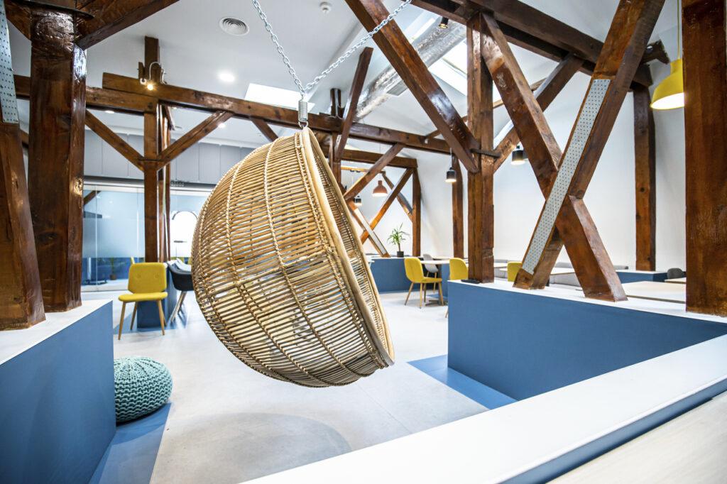 Дизайн интерьера кабинета и офиса на мансарде 100+ фото