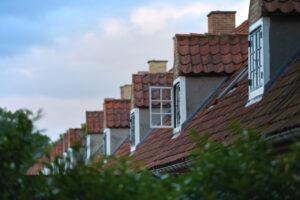 Мансардная ломаная крыша фото